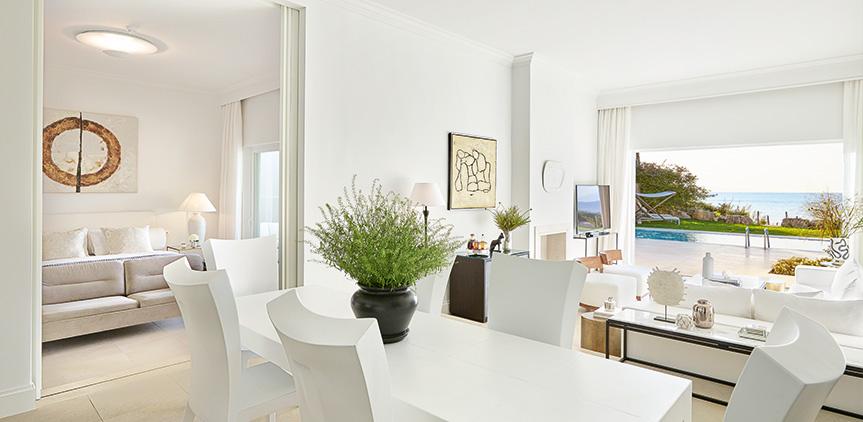 09-luxury-living-area-nostalgia-villa-mandola-rosa
