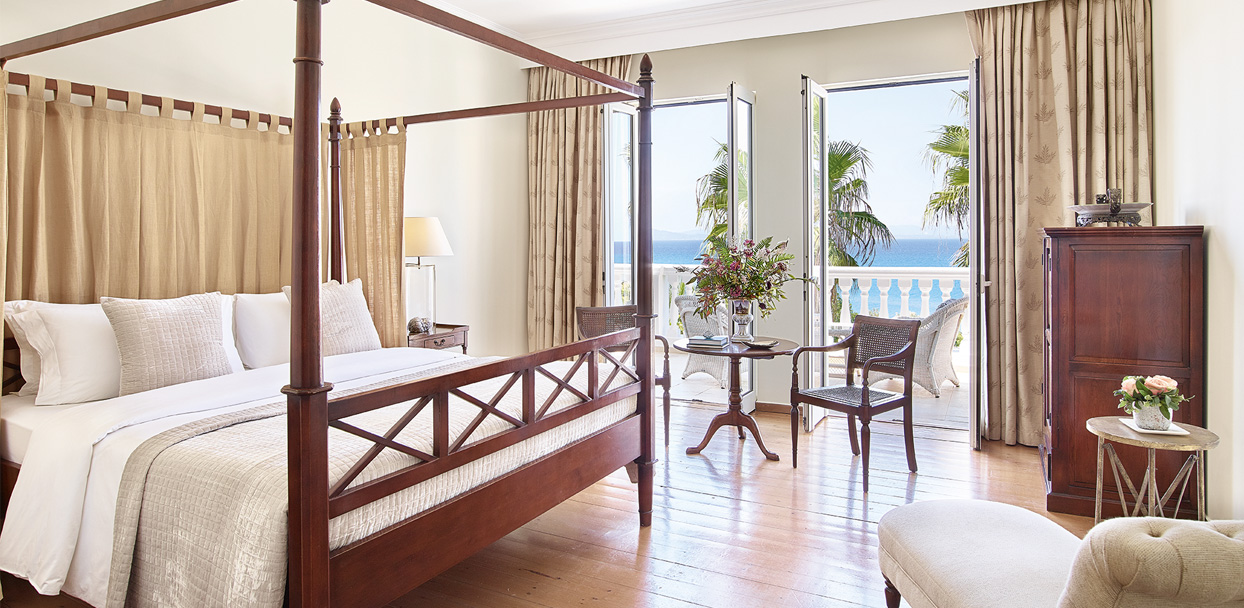 02-Luxury-Accommodation-Sea-View-Guestroom