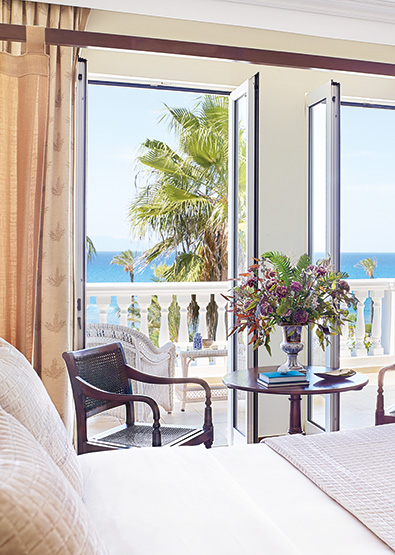 Luxury-Guestroom-Sea-View-Mandola-Rosa