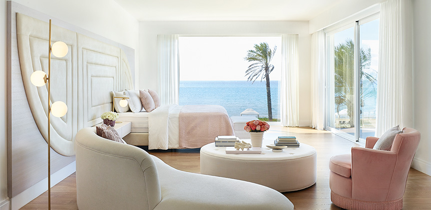 01-seafront-bedroom-mandola-rosa-grand-villa