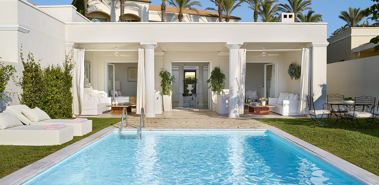 01-marble-villa-seafront-with-private-pool-mandola-rosa