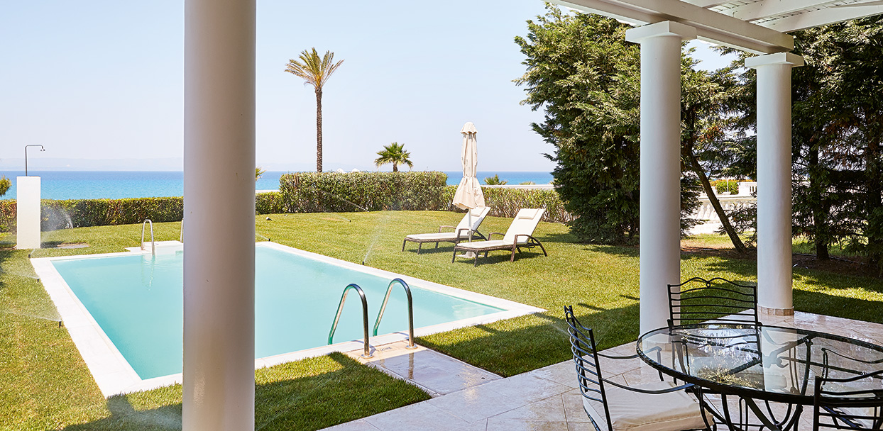villa-delos-private-pool-exterior-area-mandola-rosa