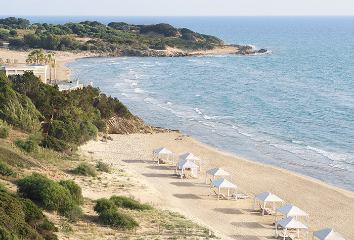 01-beach-pools-mandola-rosa-resort-in-peloponnese