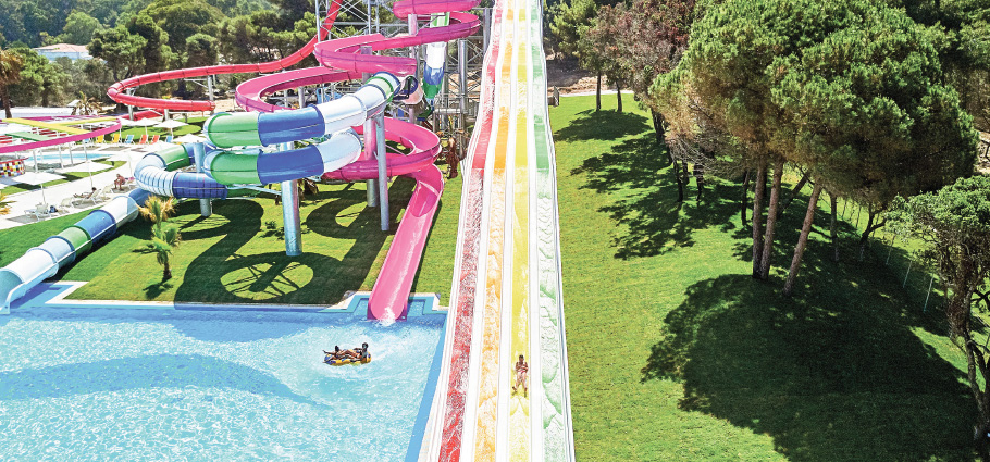 03-mandola-rosa-mega-fun-park-with-waterslides