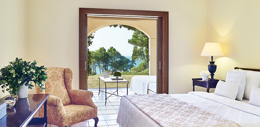 01-olympia-oasis-sea-view-garden-family-room-luxury-accommodation-in-peloponnese