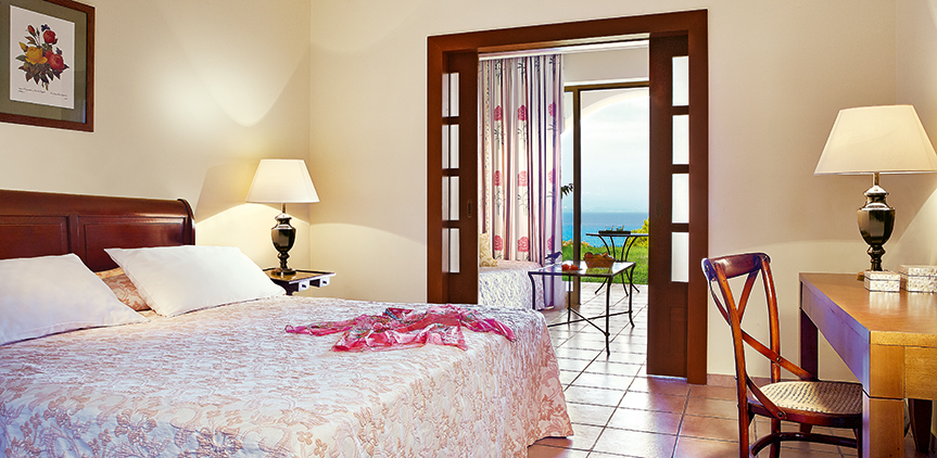 02-sea-view-family-room-in-peloponnese-resort