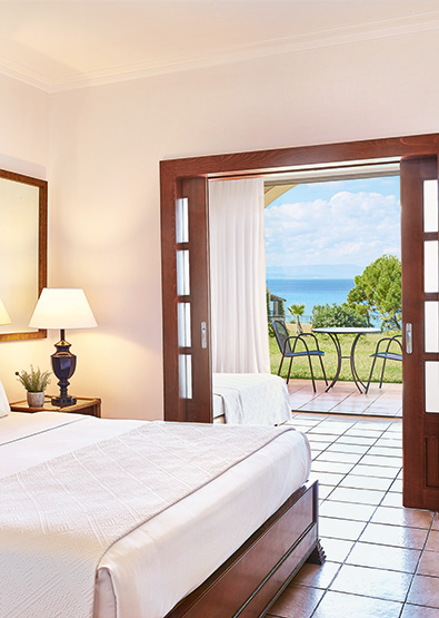 olympia-oasis-sea-view-garden-family-room-accommodation