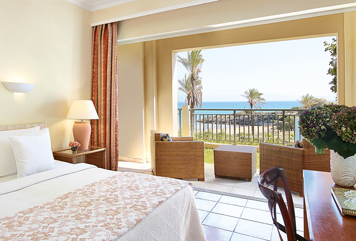 02-olympia-oasis-resort-luxury-sea-view-accommodation