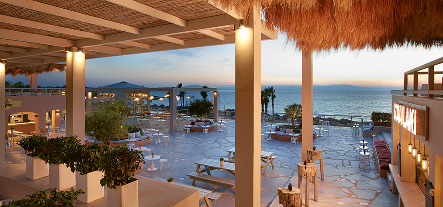 oasis-on-the-beach-restaurants-and-bars-in-pelponnese