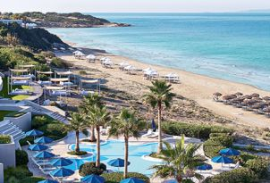 12-olympia-oasis-beach-and-pools-luxury-accommodation