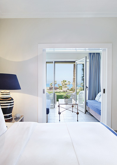 family-guestroom-sea-view-olympia-riviera-room