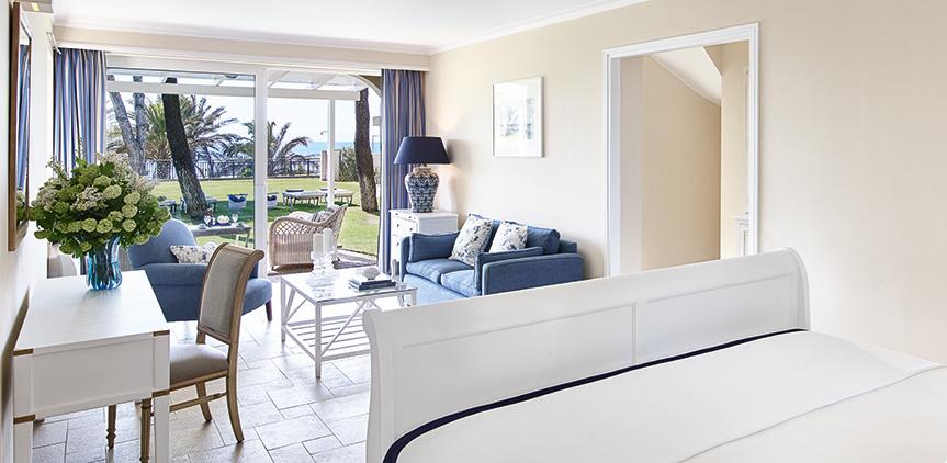 deluxe-bungalow-sea-view-accommodation-la-riviera-resort