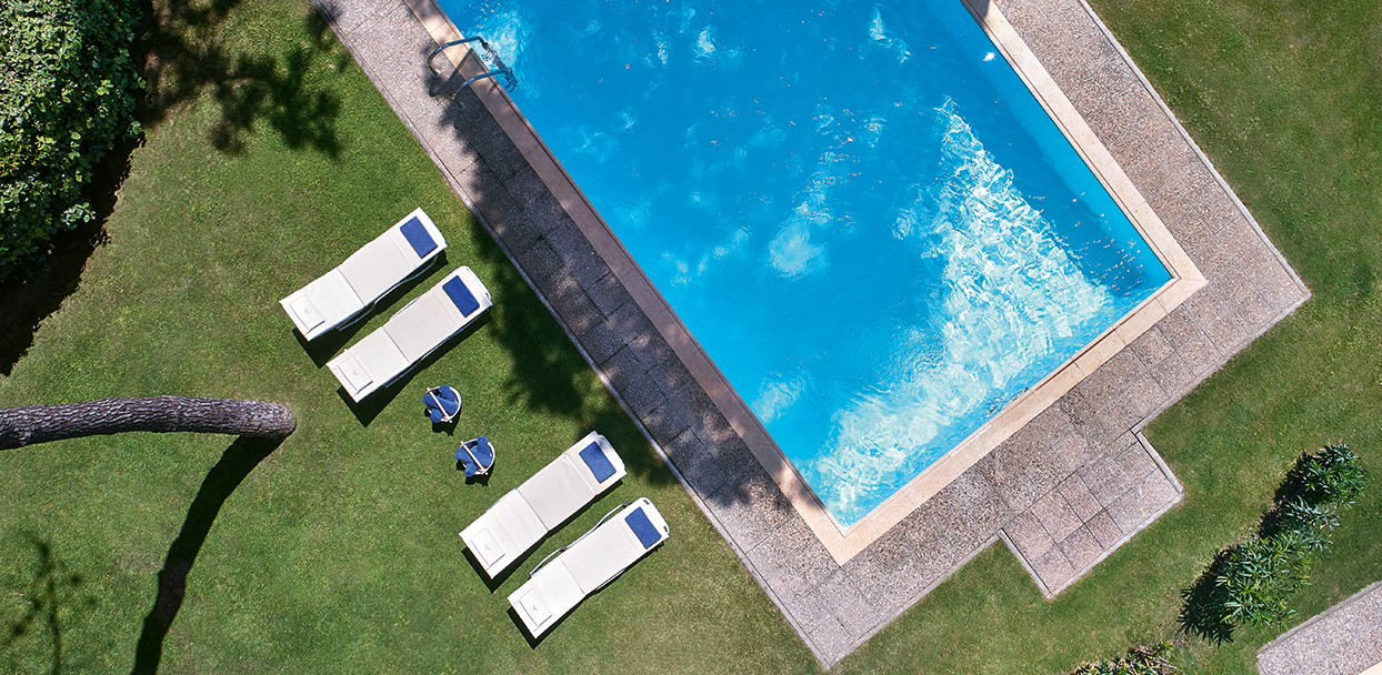 pool-family-villa-luxury-accommodation-in-olympia-riviera-resort