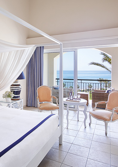 luxury-guestroom-direct-sea-view-olympia-riviera