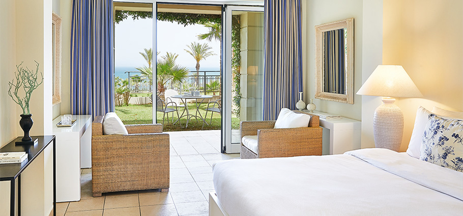 sea-view-guestrooms-in-olympia-riviera-resort-peloponnese