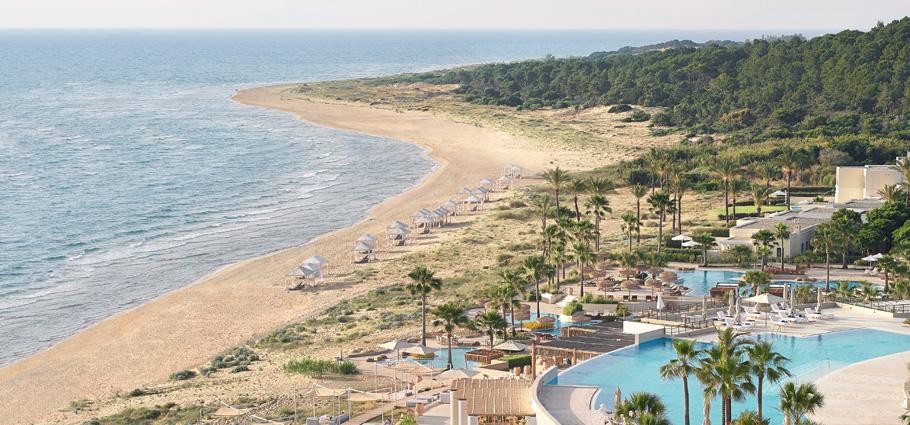 01-summer-holidays-la-riviera-resort
