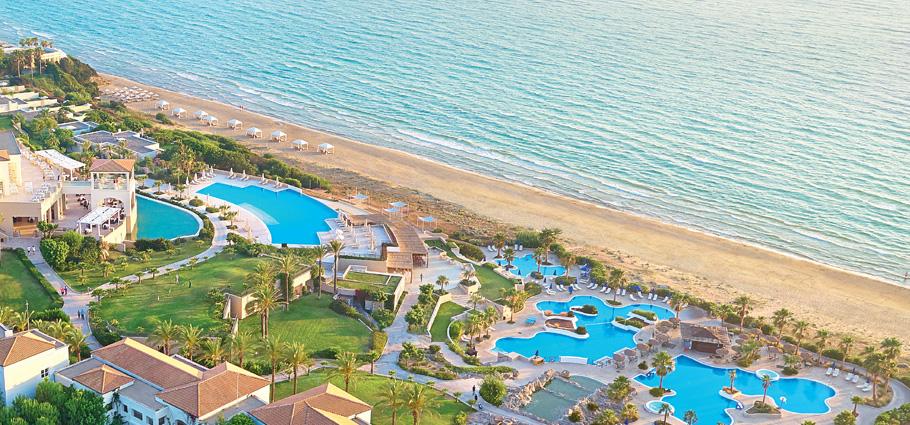 04-la-riviera-luxury-resort