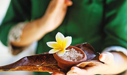 02-signature-massages-ayurveda-therapiers-riviera-olympia-resort
