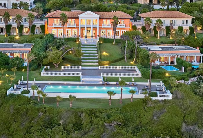 03-mandola-rosa-exclusive-resort-pools