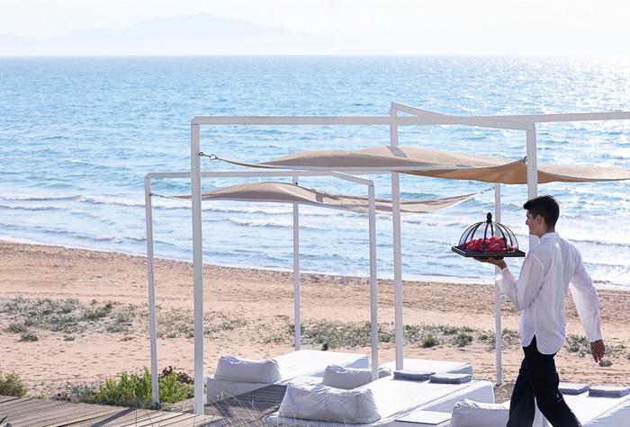 03-riviera-olympia-resort-beach-service