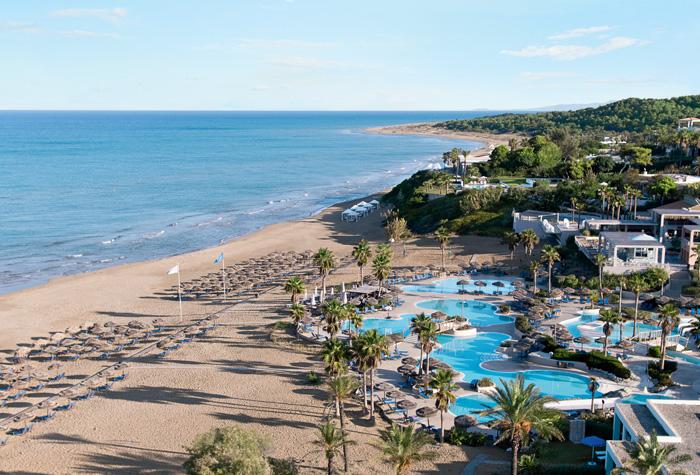 04-pools-waterslides-and-beach-in-riviera-olympia-resort-peloponnese