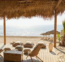 05-riviera-olympia-pool-and-beach-bars
